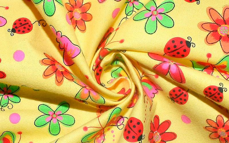 желтая фланелевая ткань с рисунком